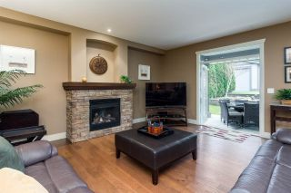 """Photo 8: 17728 68TH Avenue in Surrey: Cloverdale BC House for sale in """"Cloverdale"""" (Cloverdale)  : MLS®# R2252665"""