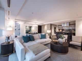 """Photo 2: 1510 HOMER Mews in Vancouver: Yaletown Townhouse for sale in """"THE ERICKSON"""" (Vancouver West)  : MLS®# R2334028"""