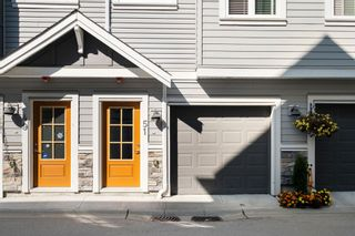 """Photo 2: 51 20860 76 Avenue in Langley: Willoughby Heights Townhouse for sale in """"Lotus Living"""" : MLS®# R2615807"""