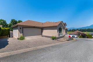"""Photo 2: 47 47470 CHARTWELL Drive in Chilliwack: Little Mountain House for sale in """"GRANDVIEW ESTATES"""" : MLS®# R2599834"""