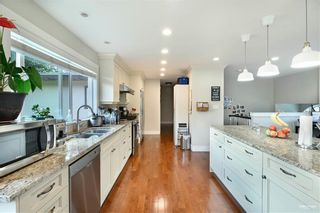 Photo 9: 2670 136 Street in Surrey: Elgin Chantrell House for sale (South Surrey White Rock)  : MLS®# R2610658