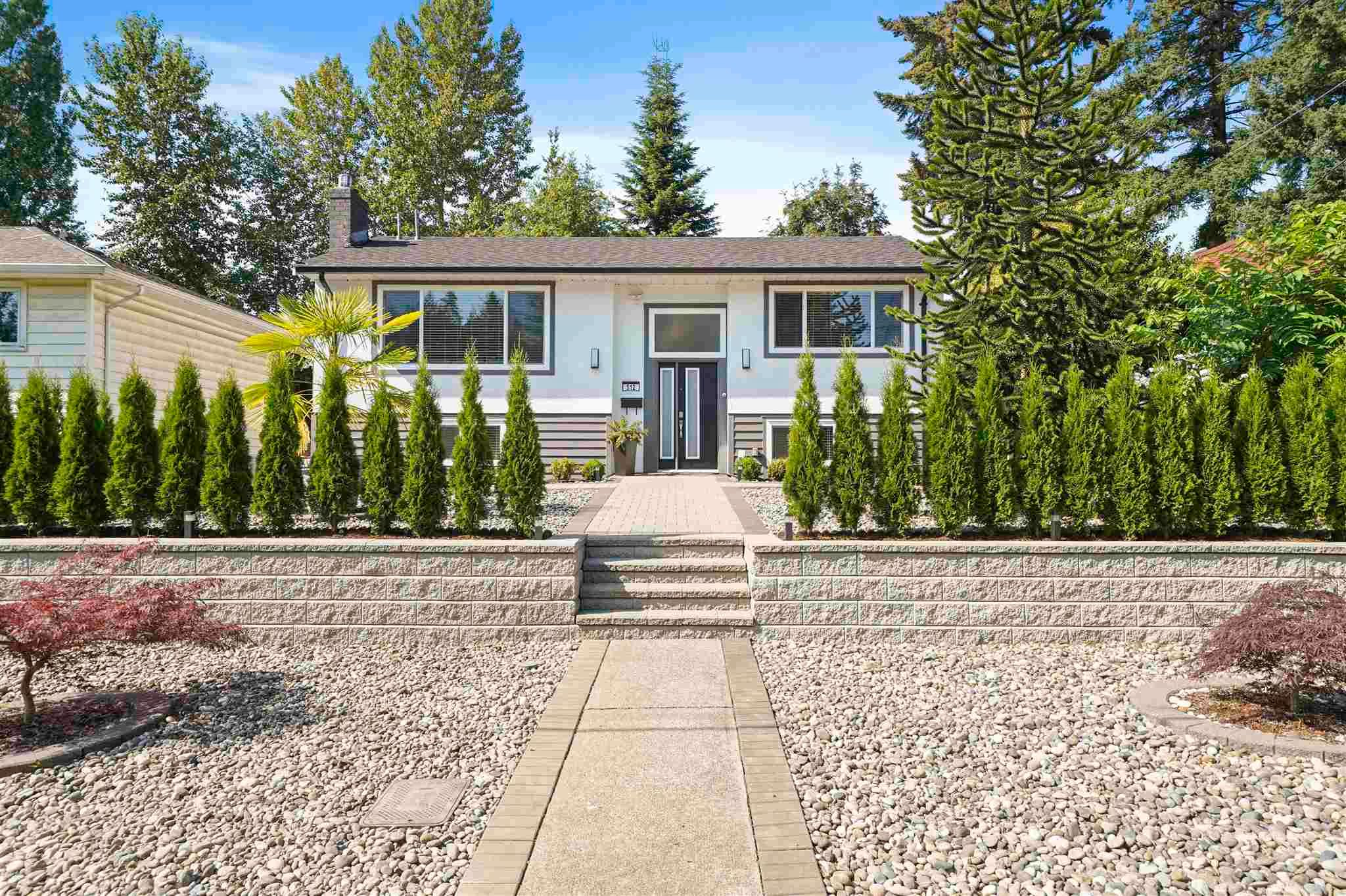 Main Photo: 512 W 24TH Street in North Vancouver: Central Lonsdale House for sale : MLS®# R2605824