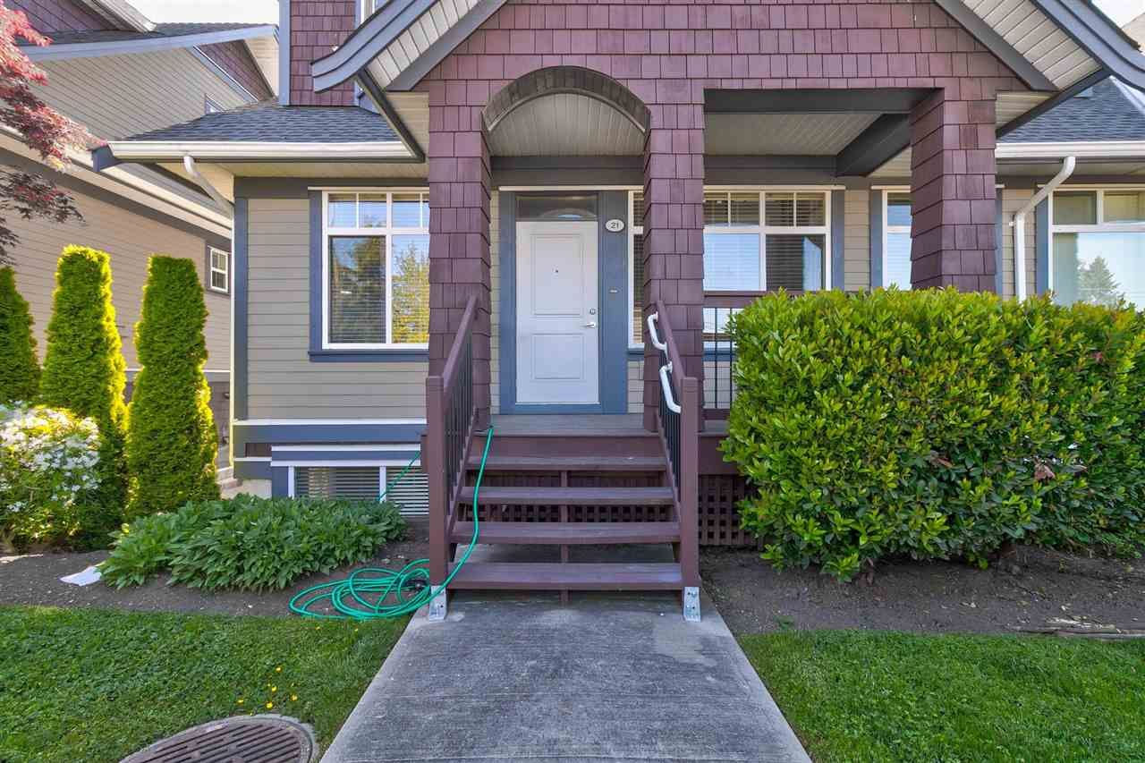 """Main Photo: 21 15977 26 Avenue in Surrey: Grandview Surrey Townhouse for sale in """"Belcroft"""" (South Surrey White Rock)  : MLS®# R2580937"""