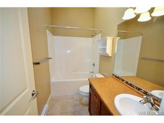 Photo 11: 878 Brock Ave in VICTORIA: La Langford Proper Row/Townhouse for sale (Langford)  : MLS®# 742350