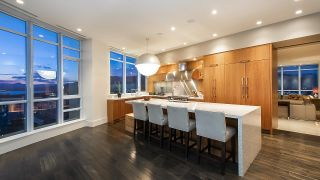 """Photo 11: 4301 1189 MELVILLE Street in Vancouver: Coal Harbour Condo for sale in """"The Melville"""" (Vancouver West)  : MLS®# R2512418"""