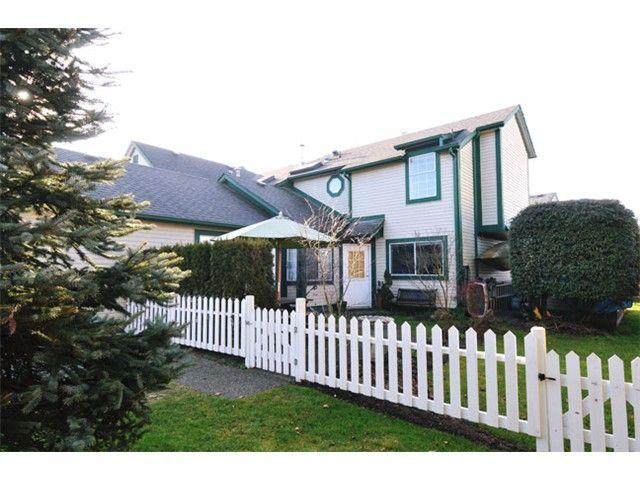 "Photo 1: Photos: # 207 20675 118TH AV in Maple Ridge: Southwest Maple Ridge Townhouse for sale in ""ARBOR WYNDE"" : MLS®# V1043404"