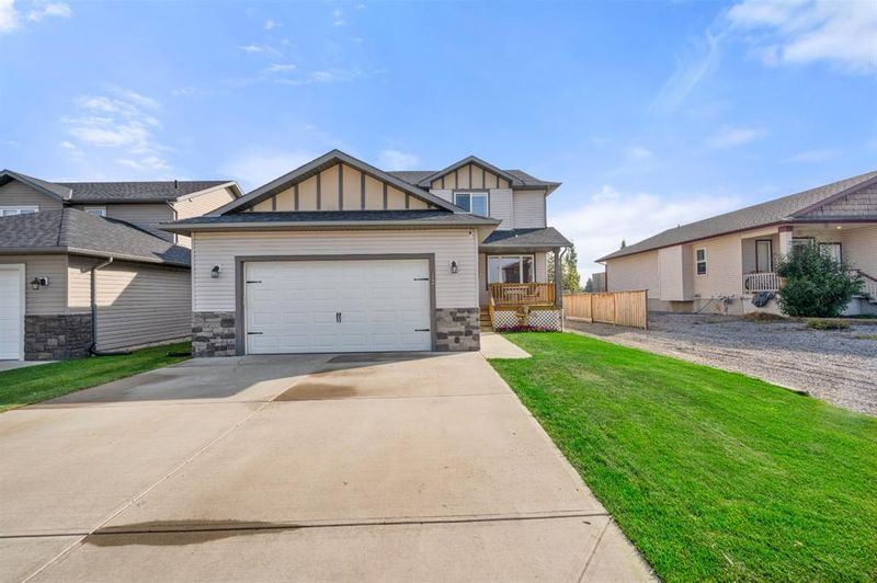 FEATURED LISTING: 12 700 Carriage Lane Way Carstairs