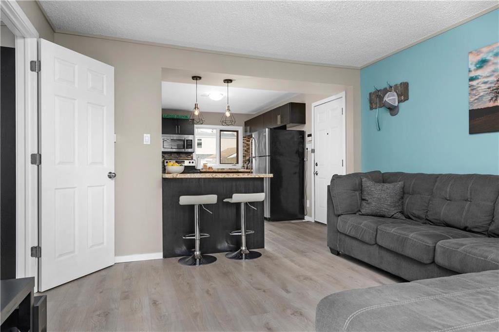 Photo 4: Photos: 497 Chelsea Avenue in Winnipeg: Residential for sale (3D)  : MLS®# 202115705