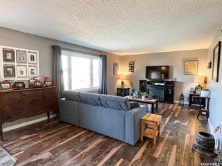 Photo 2: 23 Marion Crescent in Meadow Lake: Residential for sale : MLS®# SK873934
