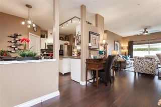 """Photo 6: 12 21579 88B Avenue in Langley: Walnut Grove Townhouse for sale in """"Carriage Park"""" : MLS®# R2439015"""