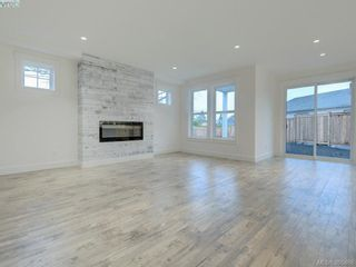 Photo 2: 14 Jedstone Pl in VICTORIA: VR View Royal House for sale (View Royal)  : MLS®# 775398