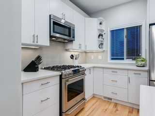 Photo 6: 415 20 Street NW in Calgary: Hillhurst Row/Townhouse for sale : MLS®# A1106275