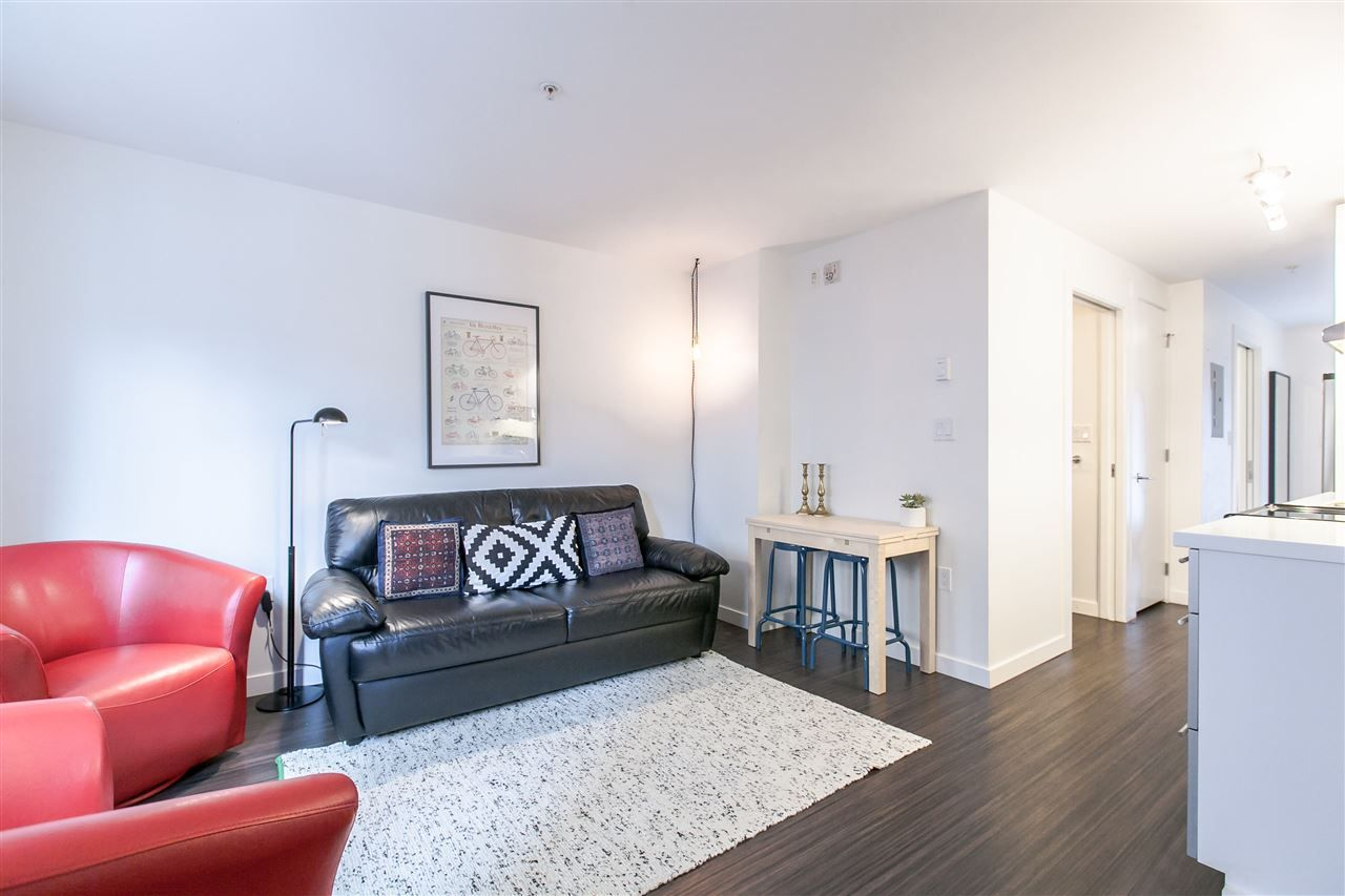 """Main Photo: 306 370 CARRALL Street in Vancouver: Downtown VE Condo for sale in """"21 Doors"""" (Vancouver East)  : MLS®# R2557120"""