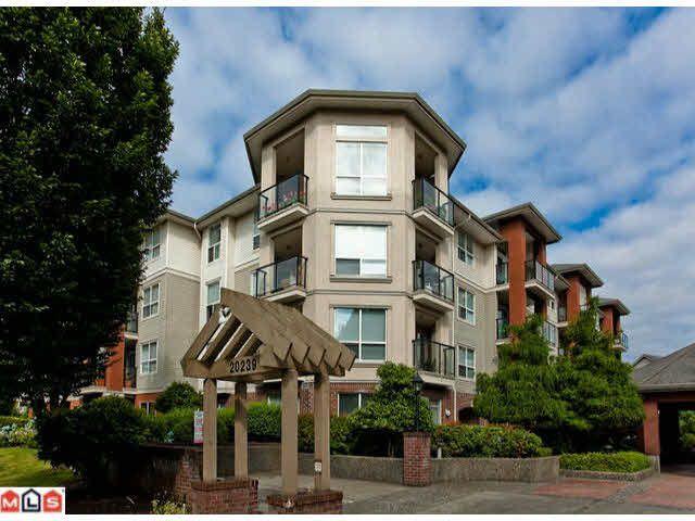 Main Photo: 105 20239 MICHAUD CRESCENT in : Langley City Condo for sale : MLS®# F1120231