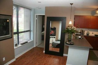 """Photo 7: 833 AGNES Street in New Westminster: Downtown NW Condo for sale in """"NEWS"""" : MLS®# V610315"""