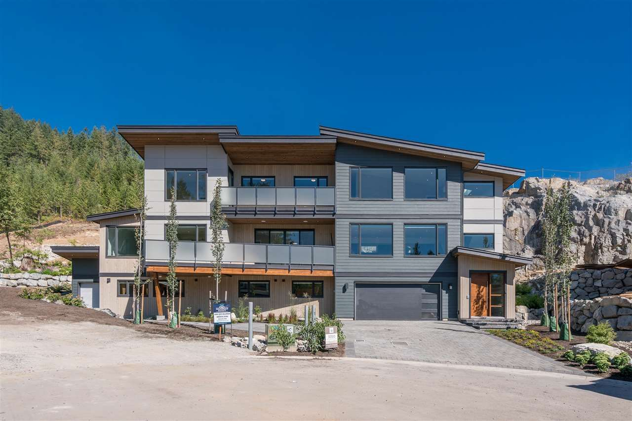 """Main Photo: 3350 DESCARTES Place in Squamish: University Highlands House for sale in """"University Highlands"""" : MLS®# R2201391"""