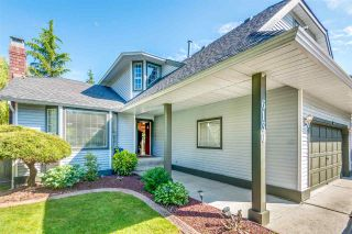 Photo 2: 6130 PARKSIDE Close in Surrey: Panorama Ridge House for sale : MLS®# R2454955