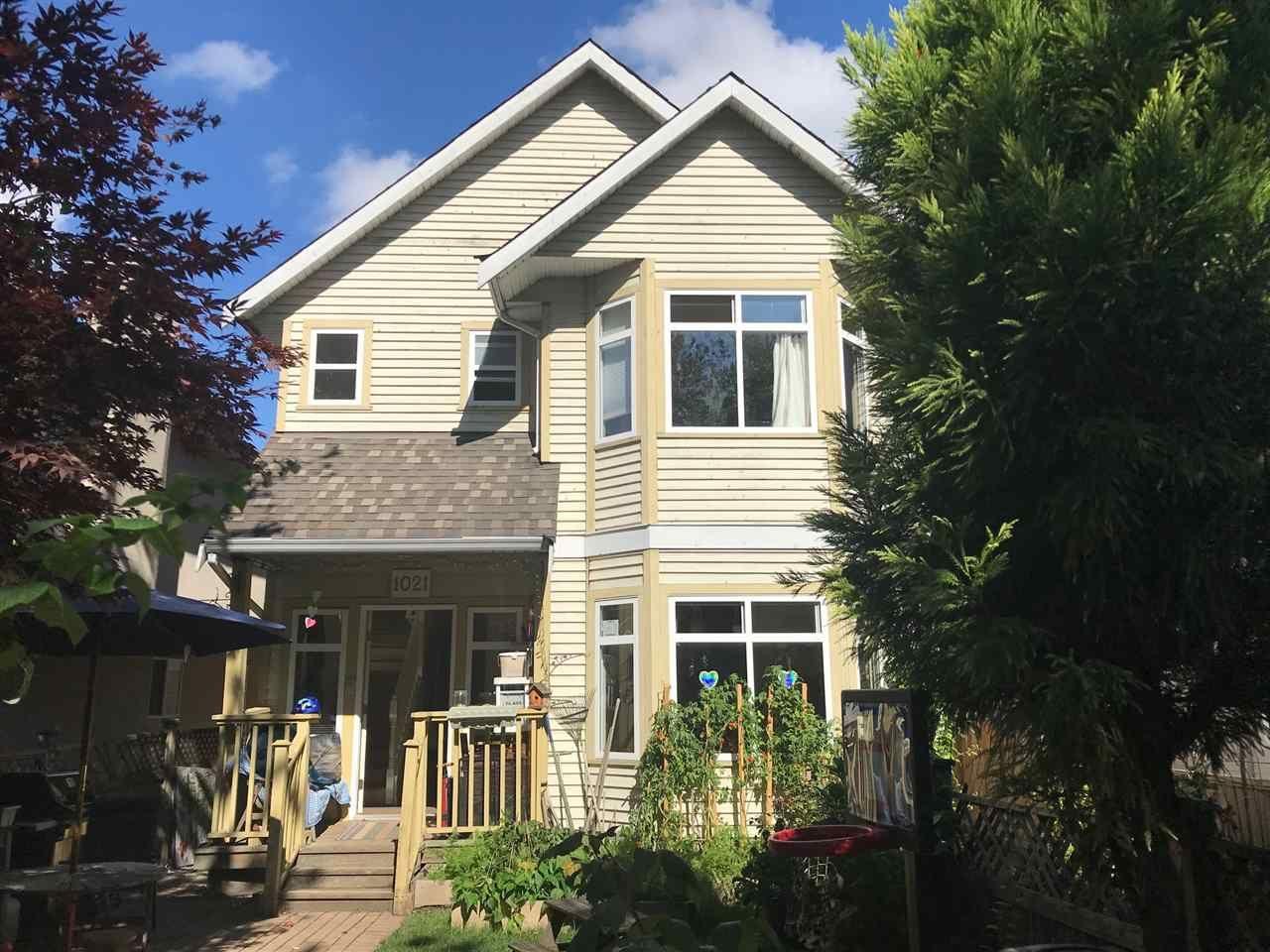 Main Photo: 1021 E 15TH Avenue in Vancouver: Mount Pleasant VE 1/2 Duplex for sale (Vancouver East)  : MLS®# R2501860