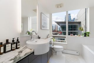 """Photo 11: 703 1055 HOMER Street in Vancouver: Yaletown Condo for sale in """"DOMUS"""" (Vancouver West)  : MLS®# R2625020"""