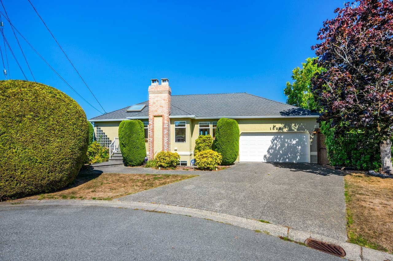 Main Photo: 1698 53A Street in Delta: Cliff Drive House for sale (Tsawwassen)  : MLS®# R2616927