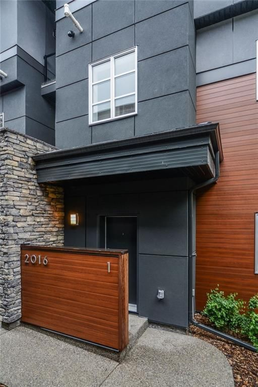 Main Photo: 1 2016 35 Avenue SW in Calgary: Altadore Row/Townhouse for sale : MLS®# A1035122