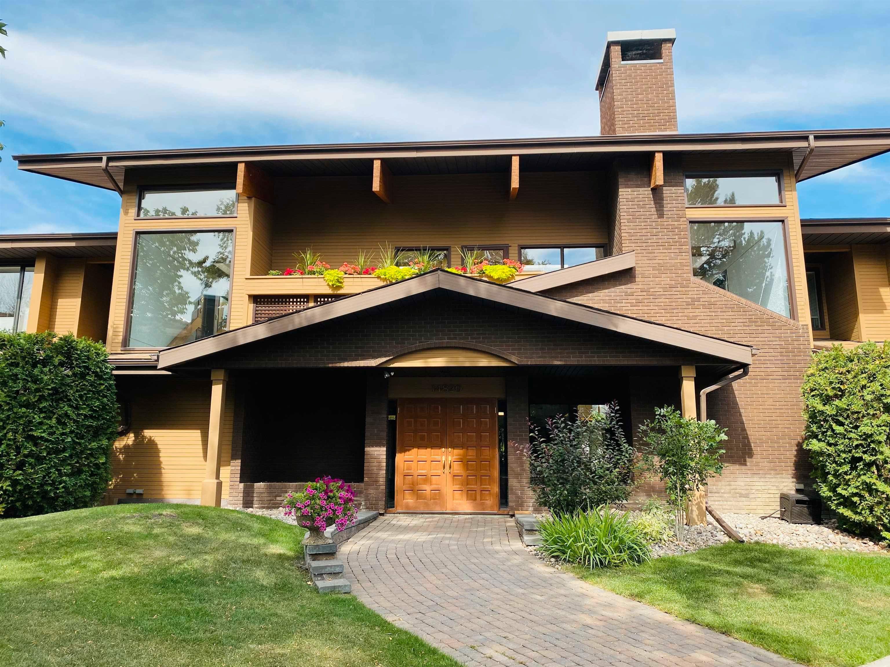 Main Photo: 2 14820 45 Avenue in Edmonton: Zone 14 Condo for sale : MLS®# E4262325