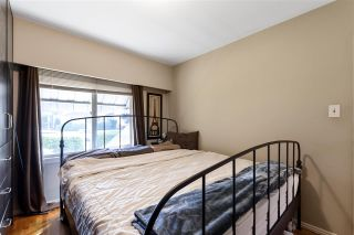 "Photo 9: 4949 FULWELL Street in Burnaby: Greentree Village House for sale in ""Greentree Village"" (Burnaby South)  : MLS®# R2496221"