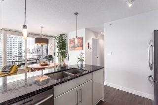 "Photo 3: 2705 689 ABBOTT Street in Vancouver: Downtown VW Condo for sale in ""ESPANA TOWER 1"" (Vancouver West)  : MLS®# R2040273"