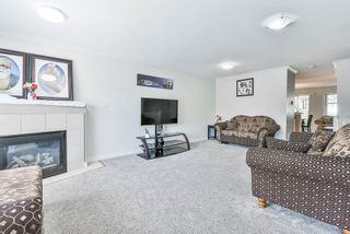 Photo 12: 102 9580 PRINCE CHARLES Boulevard in Surrey: Queen Mary Park Surrey Townhouse for sale : MLS®# R2295935
