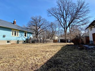 Photo 4: 318 Beaverbrook Street in Winnipeg: River Heights North Residential for sale (1C)  : MLS®# 202106213