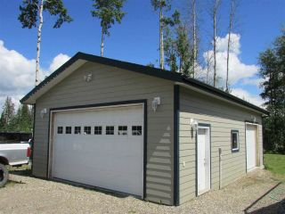 "Photo 3: 13039 HUNTER'S Lane in Charlie Lake: Lakeshore Manufactured Home for sale in ""BEN'S SUBDIVISION"" (Fort St. John (Zone 60))  : MLS®# R2298244"