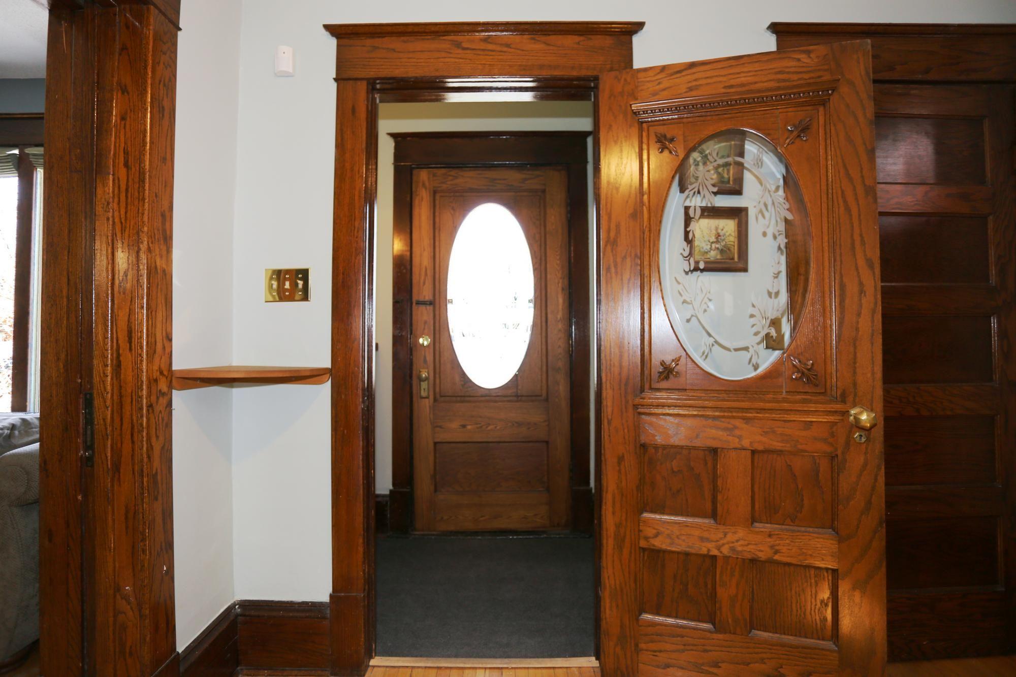 Photo 2: Photos: 96 Home Street in Winnipeg: Wolseley Single Family Detached for sale (5B)  : MLS®# 1810985