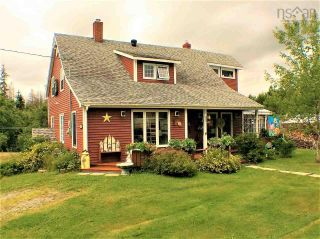 Photo 1: 568 Big Farm Road in Baddeck: 209-Victoria County / Baddeck Residential for sale (Cape Breton)  : MLS®# 202122894