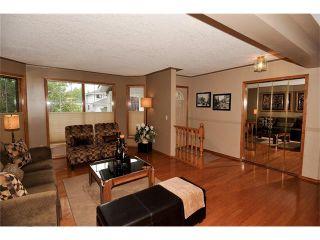 Photo 5: 39 SANDALWOOD Heights NW in Calgary: Sandstone House for sale : MLS®# C4025285