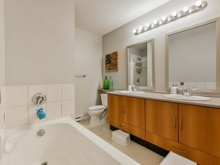 """Photo 14: 46 7179 201 Street in Langley: Willoughby Heights Townhouse for sale in """"DENIM"""" : MLS®# R2446590"""
