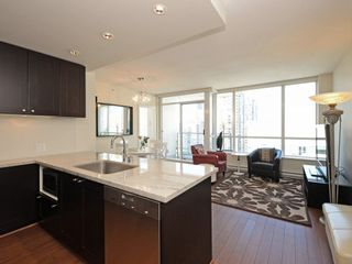 "Photo 3: 1306 821 CAMBIE Street in Vancouver: Downtown VW Condo for sale in ""RAFFLES ON ROBSON"" (Vancouver West)  : MLS®# R2186091"