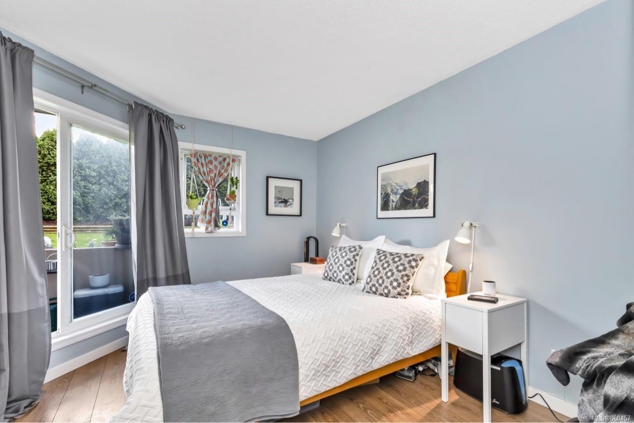 Photo 15: Photos: 105 2529 Wark St in : Vi Hillside Condo for sale (Victoria)  : MLS®# 860457