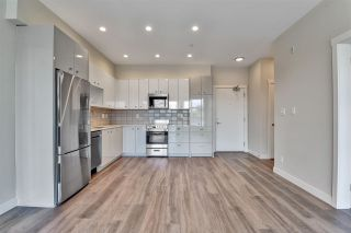 """Photo 3: 512 10838 WHALLEY Boulevard in Surrey: Bolivar Heights Condo for sale in """"The Maverick"""" (North Surrey)  : MLS®# R2583734"""