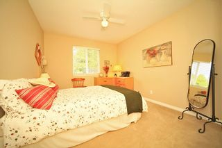 Photo 15: 6484 CLAYTONWOOD Gate in Surrey: Cloverdale BC House for sale (Cloverdale)  : MLS®# F1214656