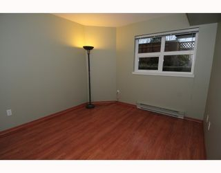 """Photo 5: 105 1515 E 6TH Avenue in Vancouver: Grandview VE Condo for sale in """"WOODLAND TERRACE"""" (Vancouver East)  : MLS®# V745517"""