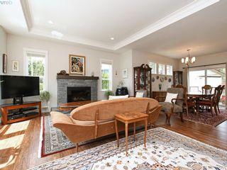 Photo 4: 2982 Harlequin Pl in VICTORIA: La Goldstream House for sale (Langford)  : MLS®# 821181