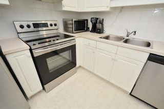 Photo 9: 417 10 Sierra Morena Mews SW in Calgary: Signal Hill Condo for sale : MLS®# C4133490