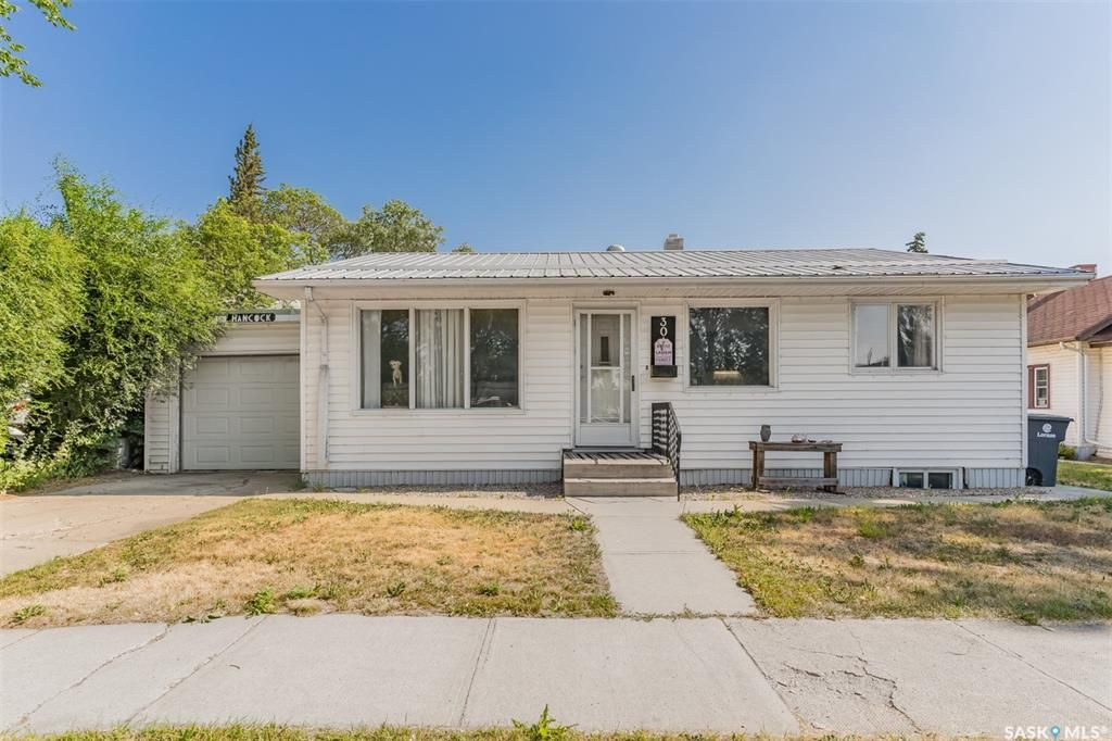 Main Photo: 3014 6th Street in Rosthern: Residential for sale : MLS®# SK864749