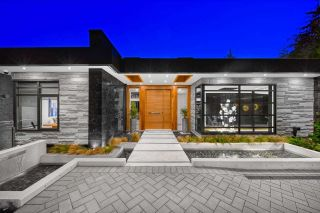 Photo 2: 2931 BURFIELD Place in West Vancouver: Cypress Park Estates House for sale : MLS®# R2581700