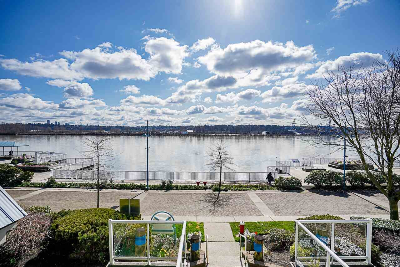 """Main Photo: 204 3 K DE K Court in New Westminster: Quay Condo for sale in """"QUAYSIDE TERRACE"""" : MLS®# R2558726"""