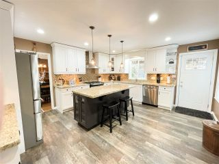 "Photo 10: 40613 N HIGHLANDS Way: Garibaldi Highlands House for sale in ""Garibaldi Highlands"" (Squamish)  : MLS®# R2533862"