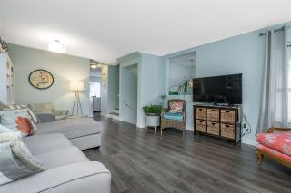 """Photo 7: 18638 65 Avenue in Surrey: Cloverdale BC Townhouse for sale in """"Ridgeway"""" (Cloverdale)  : MLS®# R2537328"""