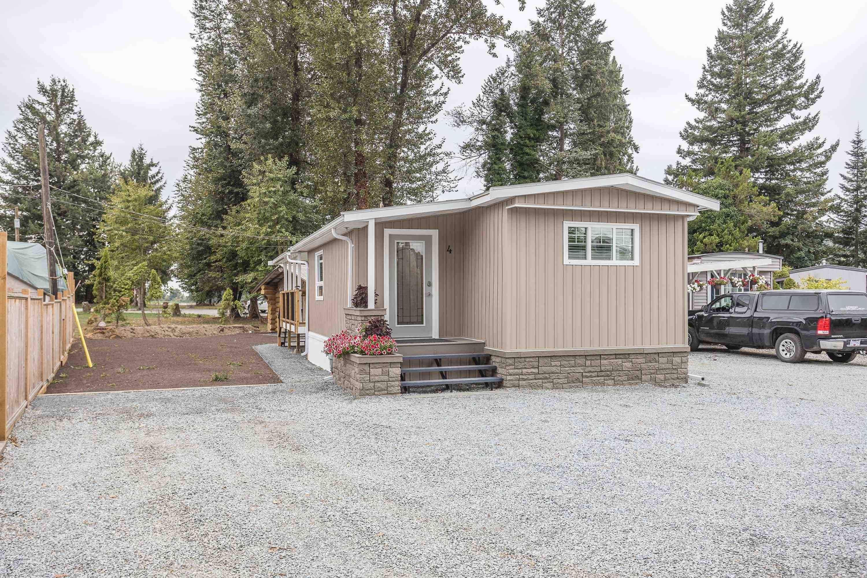 """Main Photo: 4 8953 SHOOK Road in Mission: Hatzic Manufactured Home for sale in """"KOSTER MHP"""" : MLS®# R2613582"""