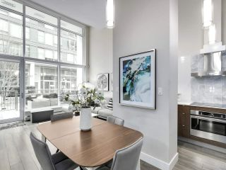 "Photo 8: 155 W 2ND Avenue in Vancouver: False Creek Townhouse for sale in ""Tower Green"" (Vancouver West)  : MLS®# R2539877"
