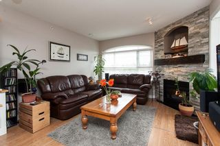 """Photo 2: 315 6336 197 Street in Langley: Willoughby Heights Condo for sale in """"Rockport"""" : MLS®# R2122870"""